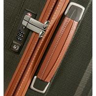 Měkká kožená madla a elegantní detaily šití.